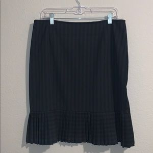 Briggs New York Striped/Pleated Skirt Size 14